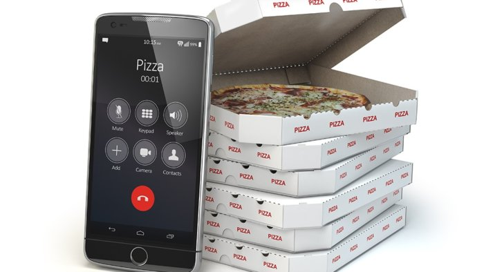 mobile-pizza-ordering-and-delivery-concept